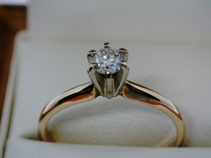 No reserve - Ring - Gold - Natural (untreated) - 0.2 ct - Diamond