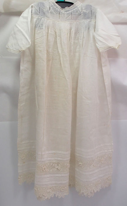 Antique Baby Gown - Handmade and Embroidered   - Cotton, Lace - Late 19th century