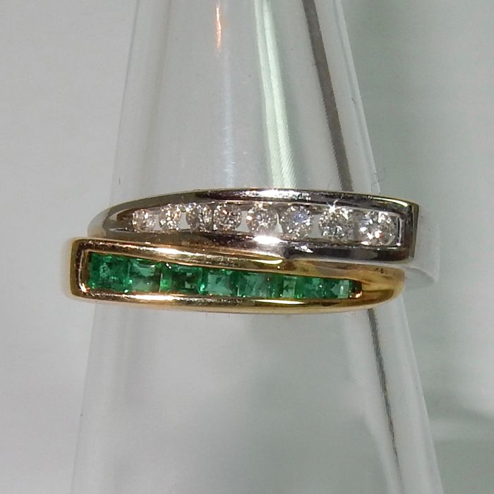 HR - Ring - Gold, White gold - Diamond and Emerald