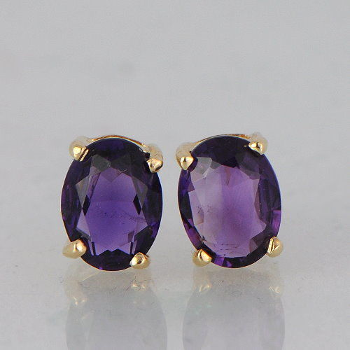 14 kt yellow gold stud earrings with amethyst - size 8 x 6 mm