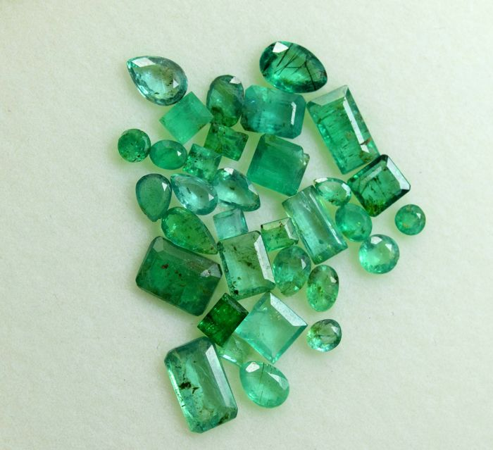 30 pcs Green Emerald - 10.10 ct
