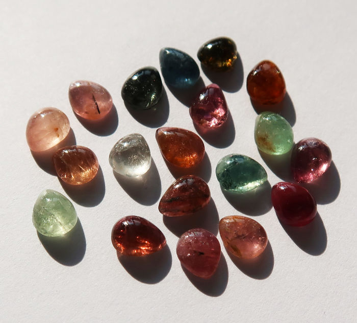 Tourmaline Cabochons - 19 Stones - 11.8 ct