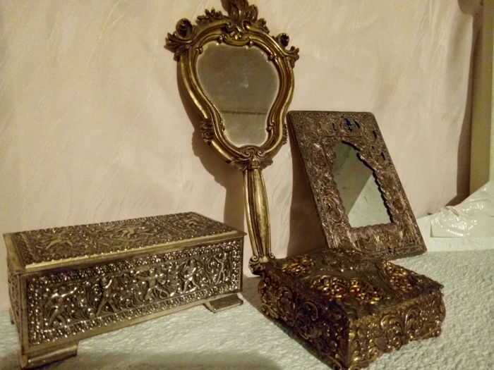 Mirror in old bakelite, mirror with silver alloy frame and two silver alloy jewellery boxes - 20th century - France