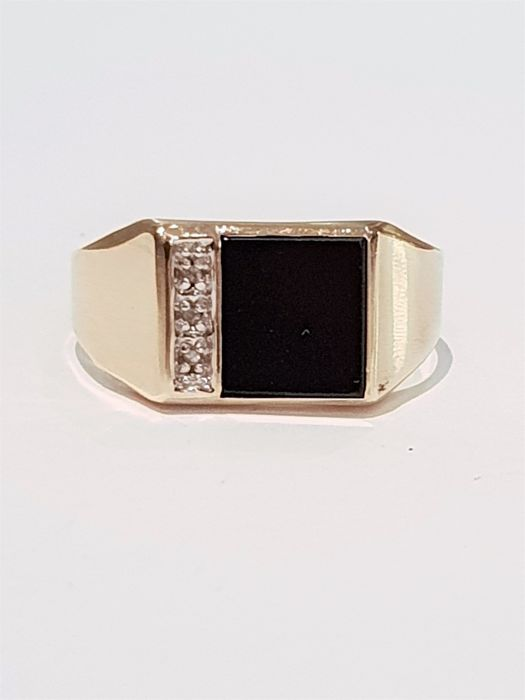 Ring - Gold - Onyx  and Diamond