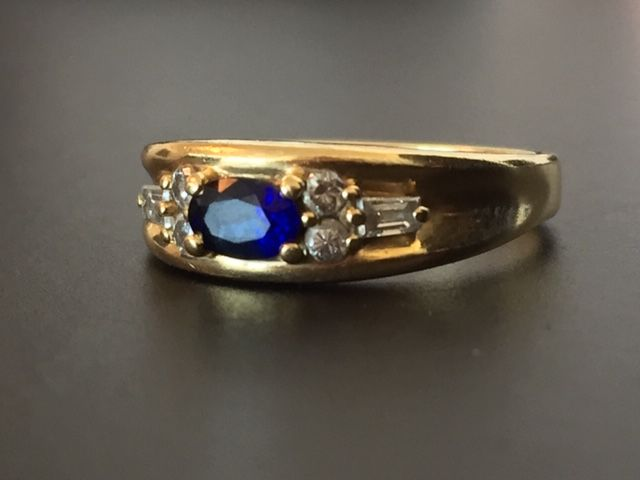 Coster Diamonds - Ring - Gold - Sapphire and Diamond