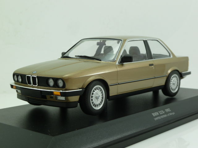 minichamps 1 18 bmw 323i e30 1982 catawiki. Black Bedroom Furniture Sets. Home Design Ideas