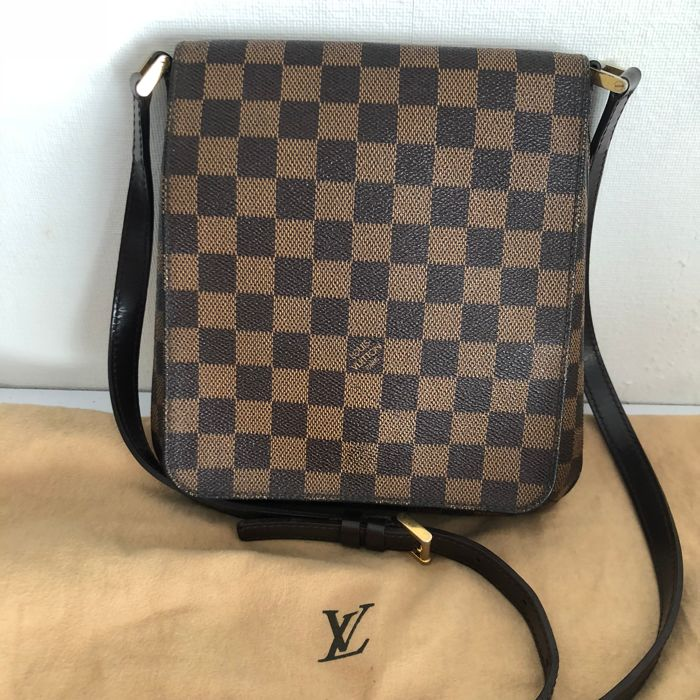 2d5d1b42bf30 Louis Vuitton - Damier Ebene musette salsa Crossbody bag - Catawiki