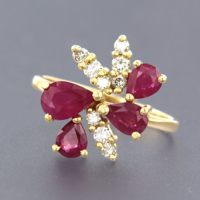 Ring - Gold - 0.28 ct - Diamond and Ruby