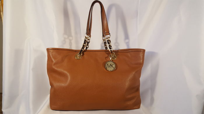 4a2a925de8a8 Michael Kors Large Cynthia Tote Bag - Catawiki