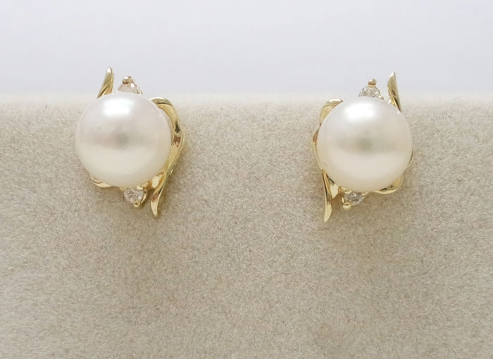 14KT Yellow Gold Stud Earrings with 6.5 mm Japanese Akoya Pearls & 0.028 cts Diamond