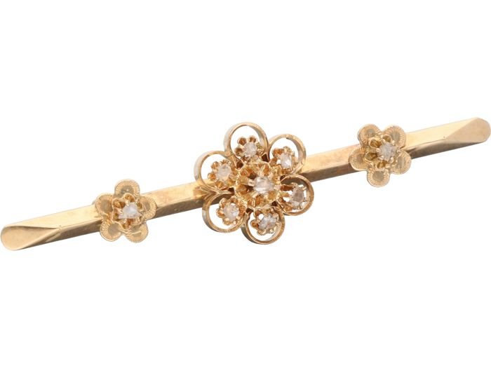 14 karat yellow gold brooch set with 9 rose cut diamonds of in total approx. 0.09 carat - Length: 51 mm - NO RESERVE PRICE