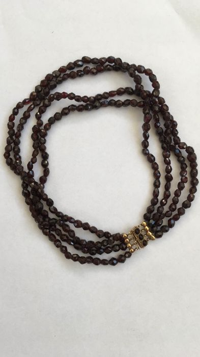 garnet necklace with gold clasp