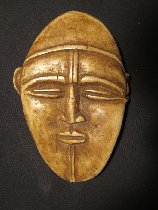 Antique African mask in bone -YOMBE, BACONGO-D.R. Congo