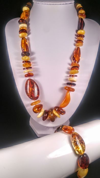 100% Genuine mix colour Italian style asymmetric  Baltic Amber necklace and bracelet, 70 grams