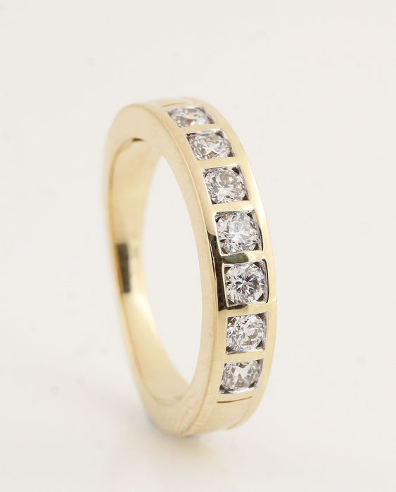 Ring - Gold - Natural (untreated) - Diamond and Diamond