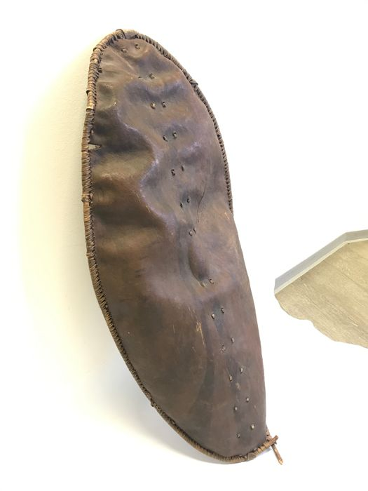 War Shield - Leather, Wood - Maasaï - Kenia/Tanzania - Catawiki