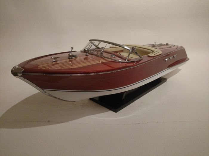 Riva Ariston-Creme interior-67cm, Scale boat model - Wood - 21 century