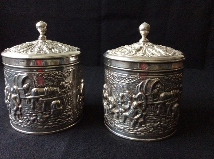Two very finely decorated tea vans - Silver plated - Netherlands - 1950-1999