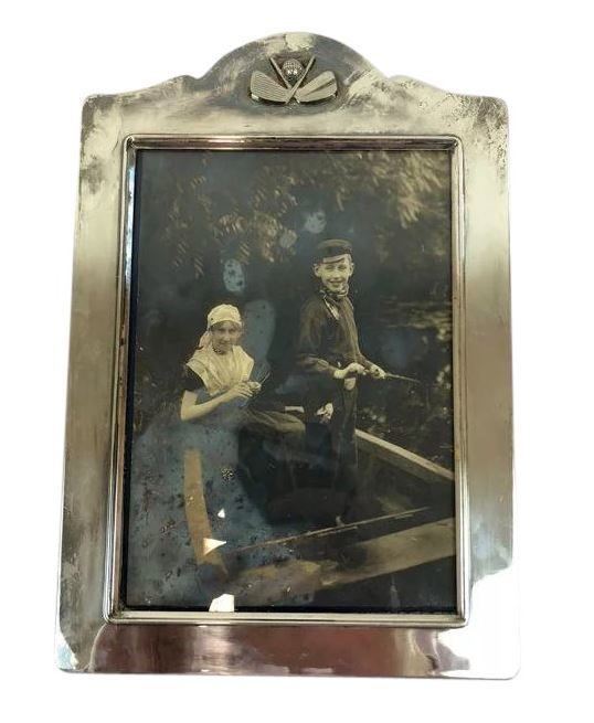 Picture frame for on the wall - Silverplate - U.K. - 1950-1999