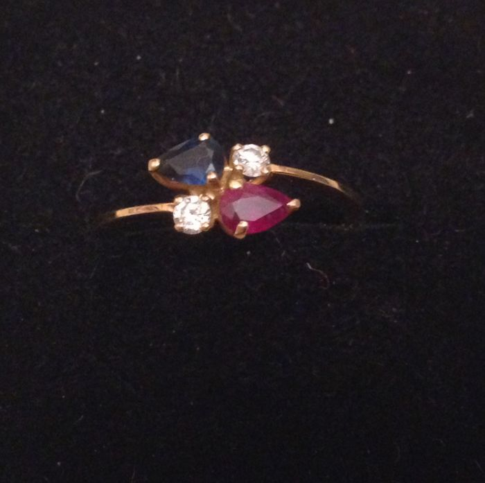 Ring - Gold - Diamond and ruby, sapphire