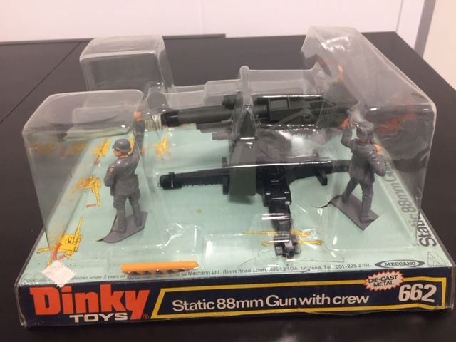Dinky Toys - 1:32 - Static 88mm Gun with crew - No. 662