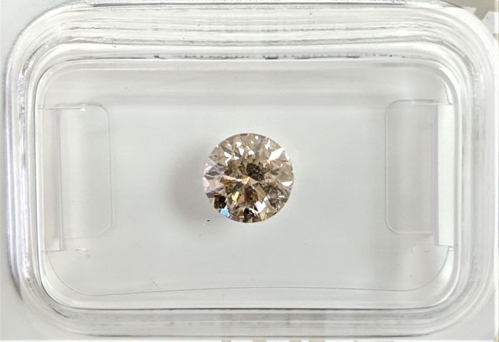 0.82 ct - Natural Fancy Diamond - Light Brown Color - SI3 - NO RESERVE!