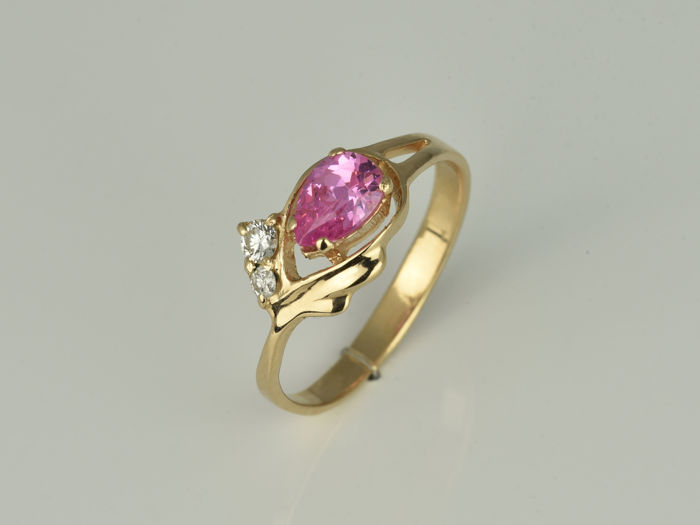 Ring - Pink gold - No indication of treatments - 0.9 ct - Topaz and Diamond