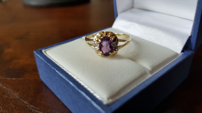 Ring - Gold, White gold - Amethyst and Diamond