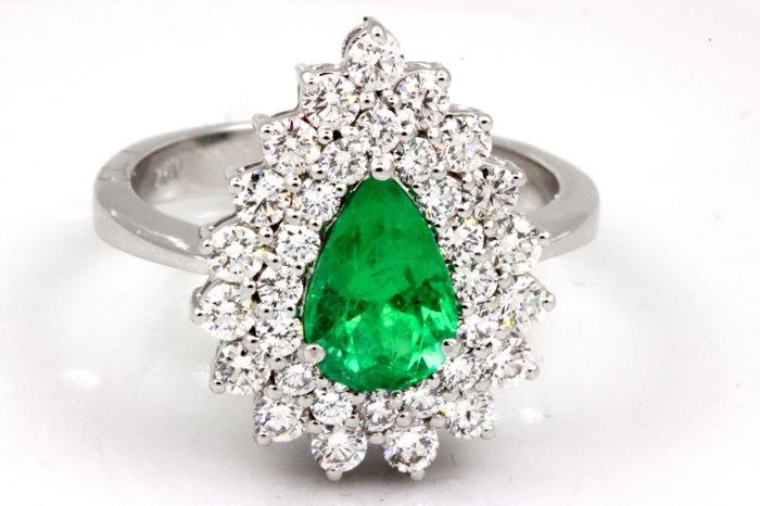 Ring - Gold - Natural (untreated) - 1.20 ct - Emerald and diamond