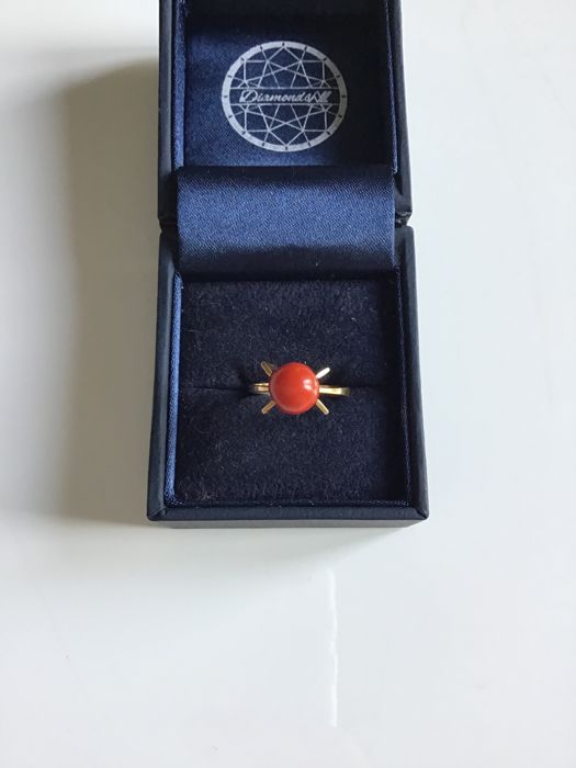 Ring - Gold - Natural (untreated) - Coral