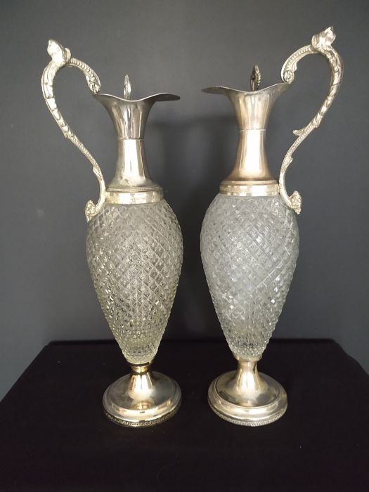 two large exquisite silver plated crystal decanters - Pair - Silver plated - United Kingdom - 20th century