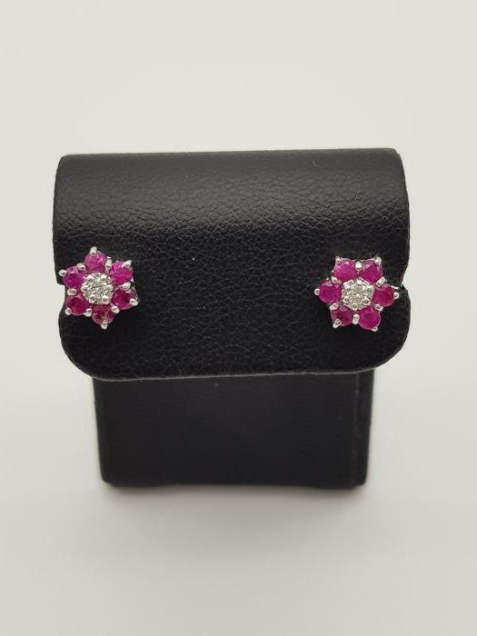 Earrings - Gold, white gold - Natural (untreated) - 0.50 ct - Ruby and diamond