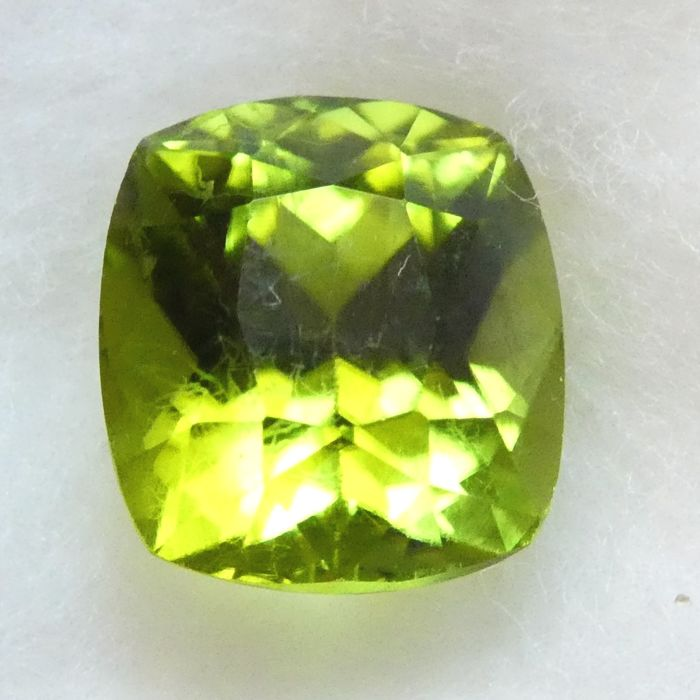 Peridot – 2.84 ct – No Reserve Price