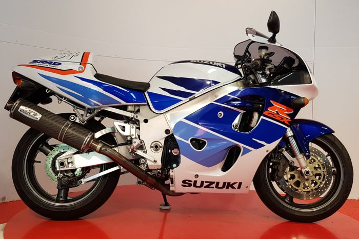 Suzuki - GSXR 750 SRAD - Carbon Arrow - 1996