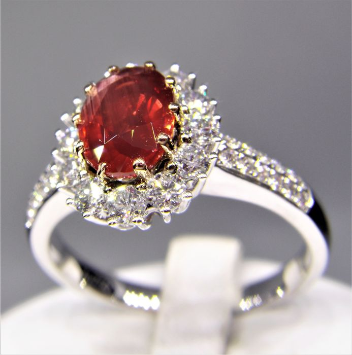 Ring - Gold - Natural (untreated) - 1.08 ct - Ruby and Diamond