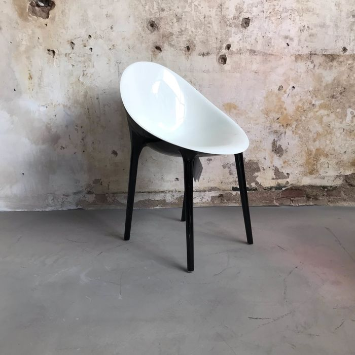 Philippe Starck met Eugeni Quitlet - Kartell - Super Impossible chair