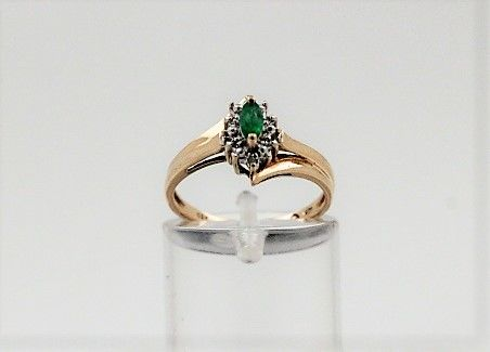 Anillo - Oro - 0.05 ct - Diamante y Esmeralda
