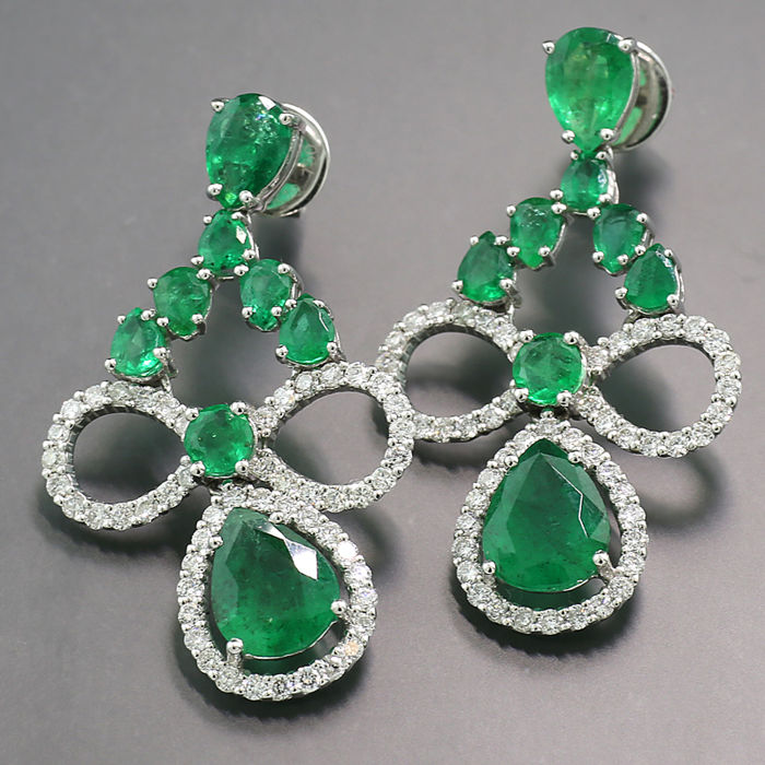 Earrings - White gold - 5.7 ct - Aparte ear studs emeralds 5.70 ct + diamonds