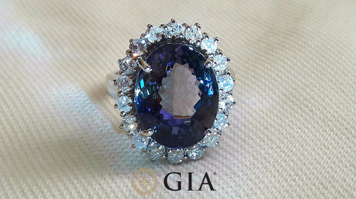 Ring - Witgoud - 13.91 ct - GIA gecertificeerde Tanzanite en Diamant