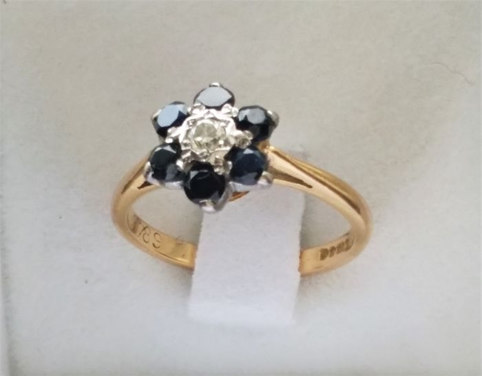 Ring - Gold - Natural (untreated) - 0.1 ct - Diamond and Sapphire