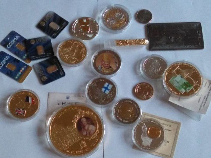 5 x 0,1 gram gold certified 999/1000  + 1 coin gegant medal Vatican 110 grams gold plated + 20 grams silver 999 and gold 999 Greece   +  a lot of coin and bullion  gold plated
