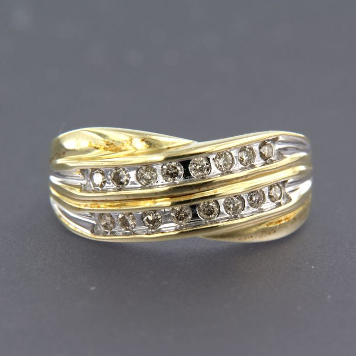 Ring - Gold, White gold - 0.48 ct - Diamond