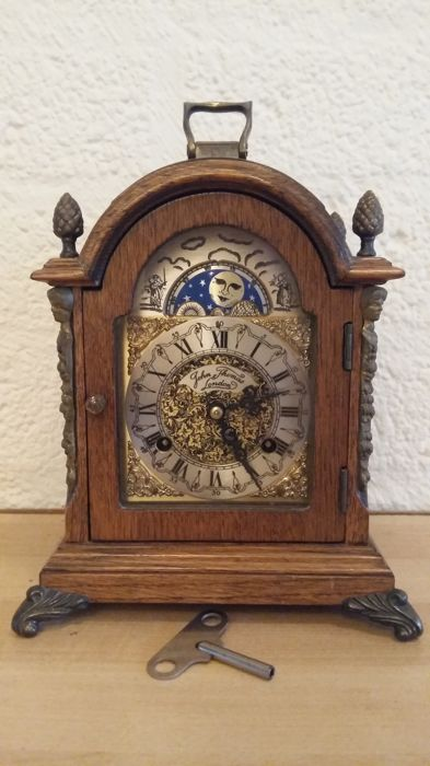 English bracket table clock with moon stand - Wood - 1950