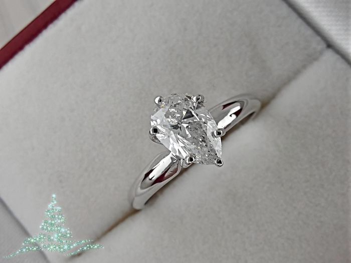 Ring - Gold - Commonly treated - 1.01 ct - Diamond