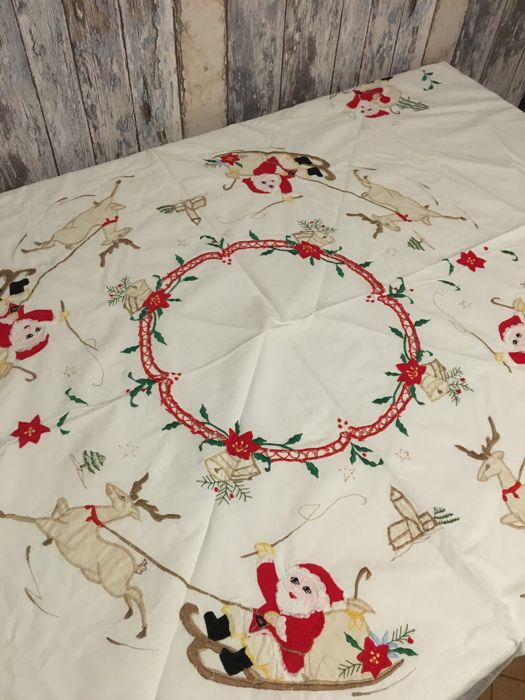 Old Embroidered Round ChristmasTablecloth - Unknown