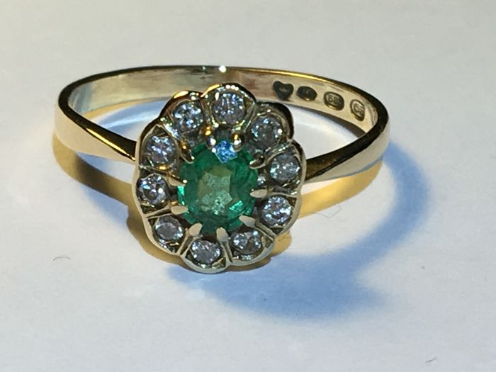 Ring - Gold - Natural (untreated) - 0.4 ct - Emerald and Diamond