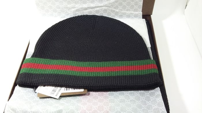 Gucci Hat and Scarf Set - Catawiki d79144e1063