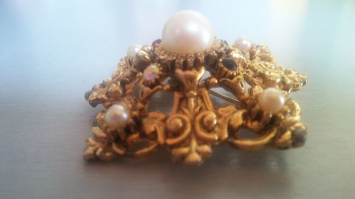 Brooch - Gold, Saltwater pearls - Natural (untreated) - Pearl and Pearl, Ruby, Sapphire