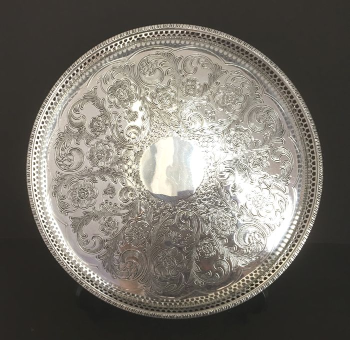 Tray of Viners or Sheffield - 1 - Silverplate - England - 1900-1949