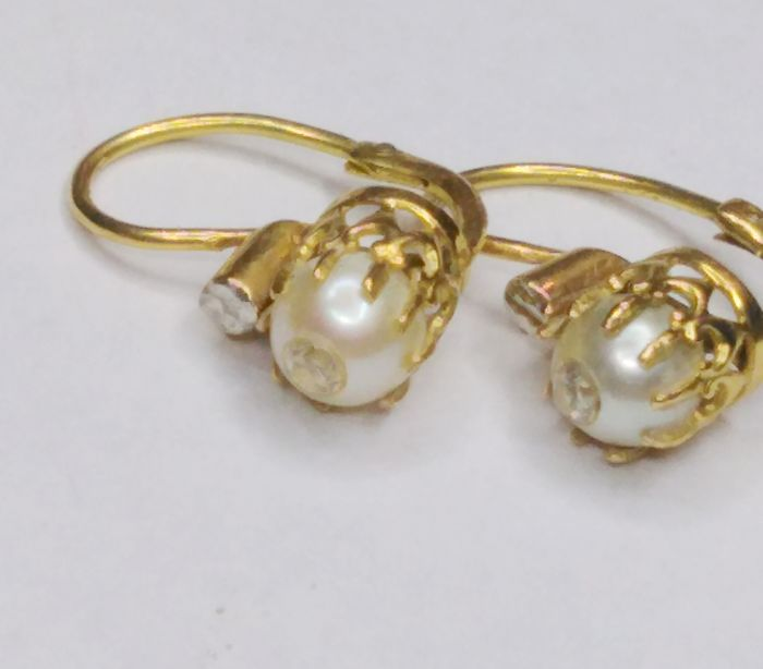 Earrings - Gold - 0.04 ct - Diamond and Pearl